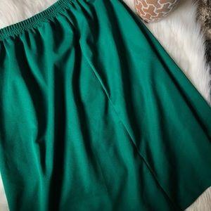 Dresses & Skirts - Vintage green skirt - super cute !